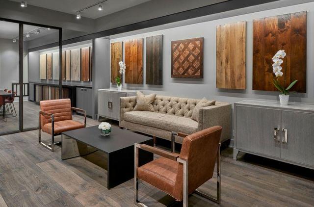 Đơn vị thiết kế thi công nội thất showroom sàn gỗ tiện lợi