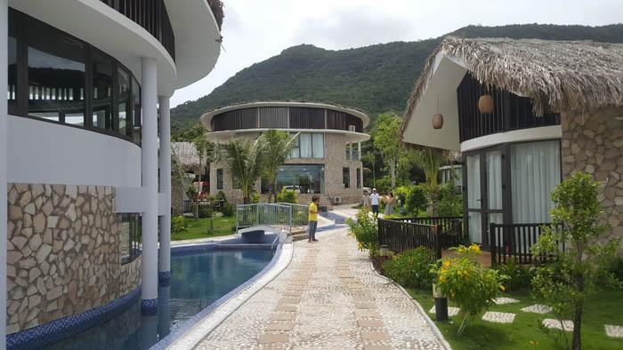 thi cong ngoai that resort