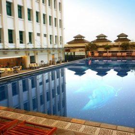 Kích thước bể bơi khách sạn tiêu chuẩn.