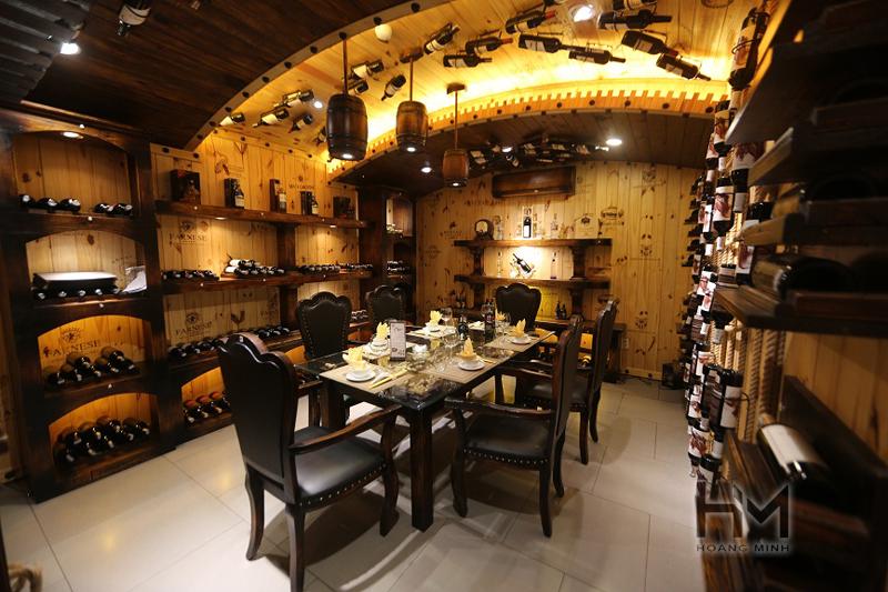 Giá thiết kế thi công nhà hàng hầm rượu bán cổ điển